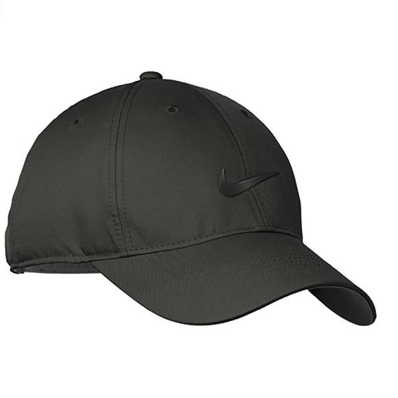 Black Nike golf baseball hat